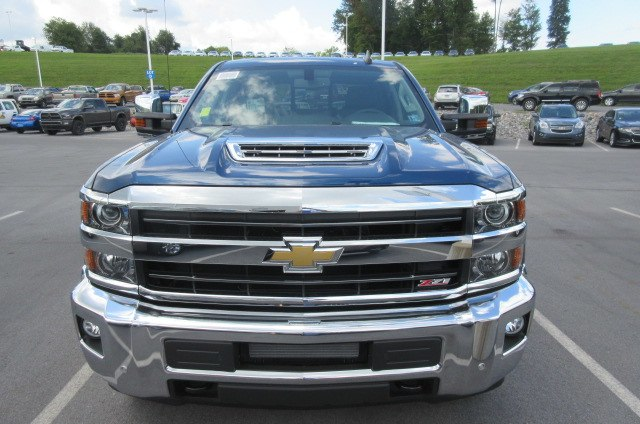 2019 Silverado 2500 Crew Cab 4x4,  Pickup #B14317 - photo 4