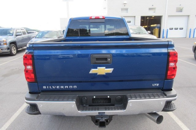 2019 Silverado 2500 Crew Cab 4x4,  Pickup #B14317 - photo 9