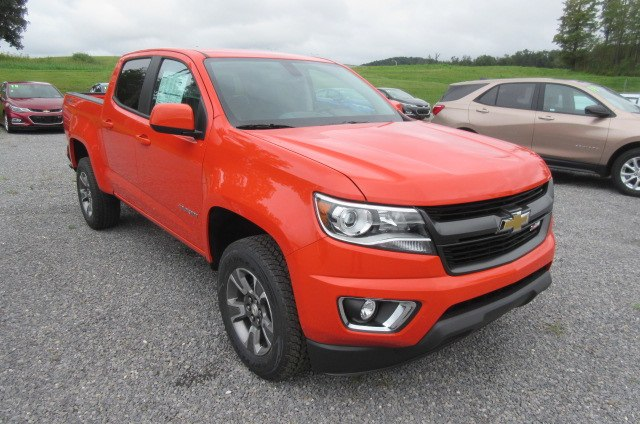 2019 Colorado Crew Cab 4x4,  Pickup #B14399 - photo 3