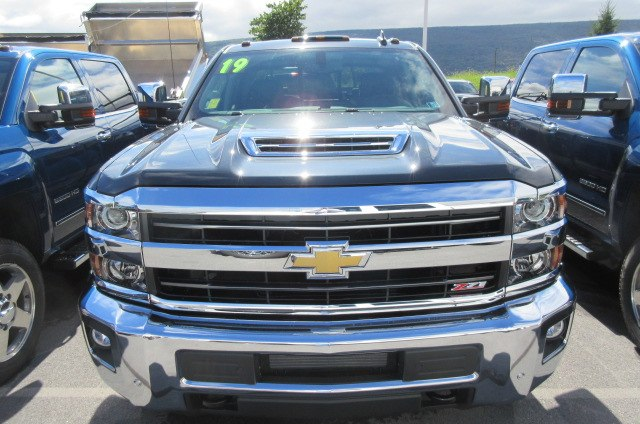 2019 Silverado 2500 Crew Cab 4x4,  Pickup #B14440 - photo 3