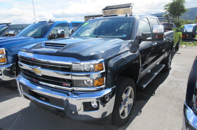 2019 Silverado 2500 Crew Cab 4x4,  Pickup #B14440 - photo 6