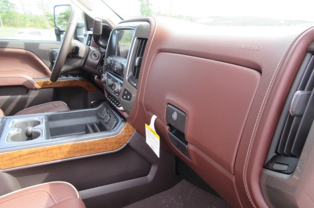 2019 Silverado 2500 Crew Cab 4x4,  Pickup #B14478 - photo 15