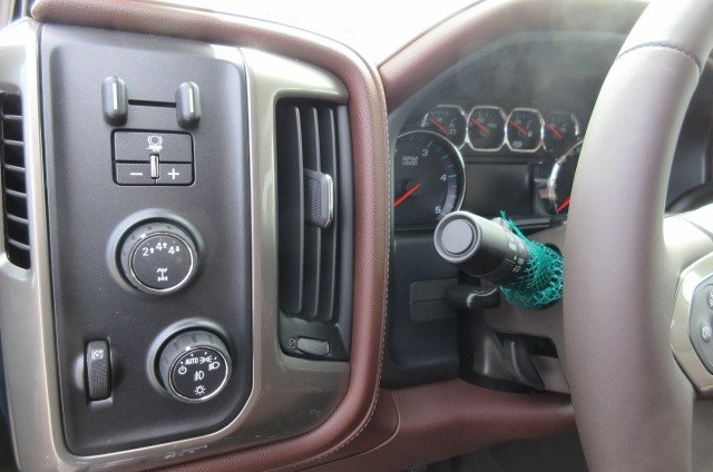 2019 Silverado 2500 Crew Cab 4x4,  Pickup #B14478 - photo 22
