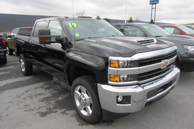 2019 Silverado 2500 Crew Cab 4x4,  Pickup #B14526 - photo 3