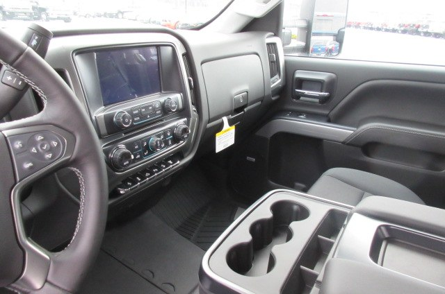 2019 Silverado 2500 Crew Cab 4x4,  Pickup #B14526 - photo 25