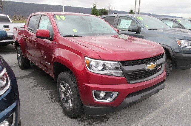 2019 Colorado Crew Cab 4x4,  Pickup #B14548 - photo 3