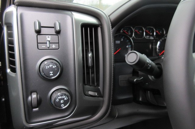 2019 Silverado 3500 Crew Cab 4x4,  Pickup #B14664 - photo 17
