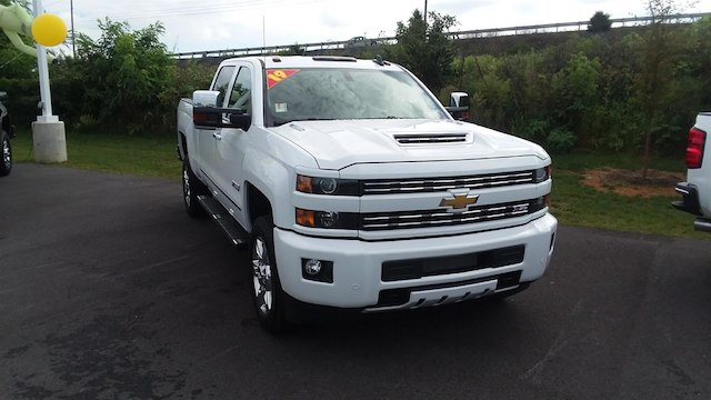2019 Silverado 2500 Crew Cab 4x4,  Pickup #B14673 - photo 3