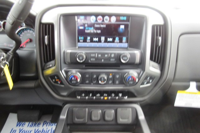 2019 Silverado 2500 Crew Cab 4x4,  Pickup #B14673 - photo 22