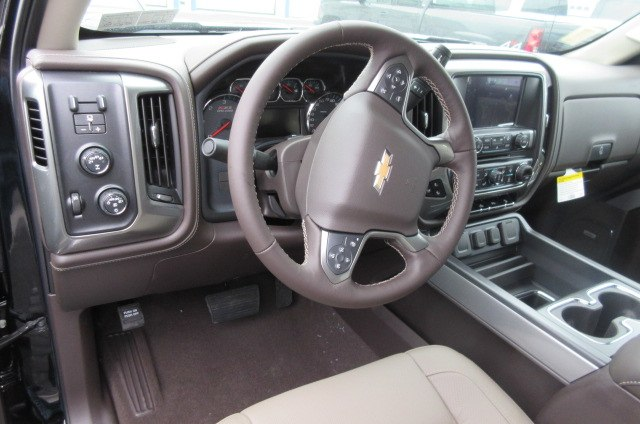 2018 Silverado 1500 Crew Cab 4x4,  Pickup #B14793 - photo 16