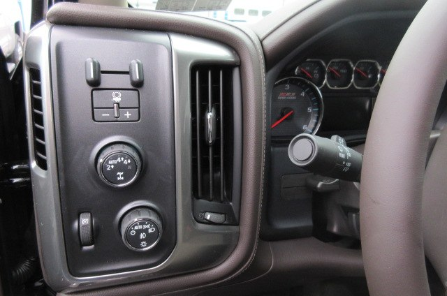 2018 Silverado 1500 Crew Cab 4x4,  Pickup #B14793 - photo 18
