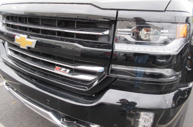 2018 Silverado 1500 Crew Cab 4x4,  Pickup #B14793 - photo 5