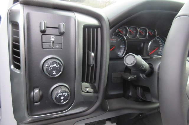 2018 Silverado 1500 Crew Cab 4x4,  Pickup #B14915 - photo 17