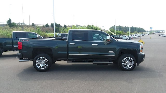 2019 Silverado 2500 Crew Cab 4x4,  Pickup #B14938 - photo 8