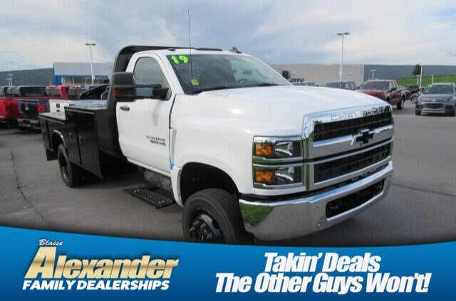 2019 Silverado Medium Duty Regular Cab DRW 4x4,  Knapheide Platform Body #B16087 - photo 1