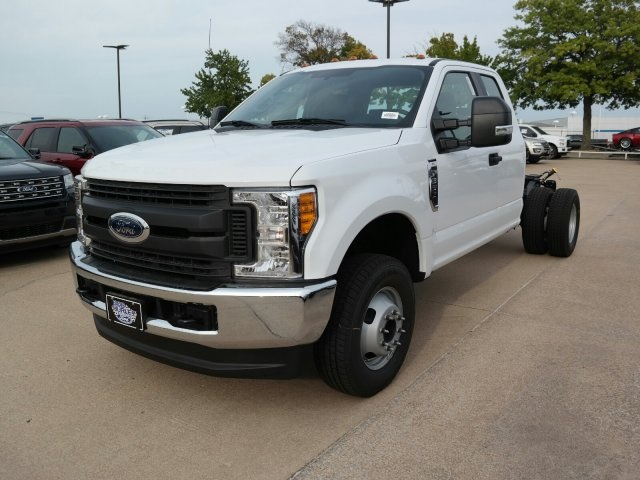 2017 F-350 Super Cab DRW 4x4, Cab Chassis #F5632 - photo 4