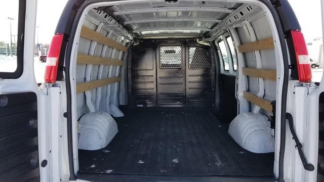 2018 GMC Savana 2500 4x2, Empty Cargo Van #3196P - photo 1