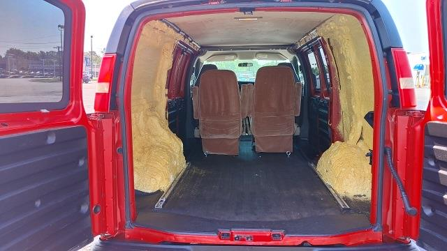 2009 Chevrolet Express 3500 4x2, Empty Cargo Van #M479B - photo 1