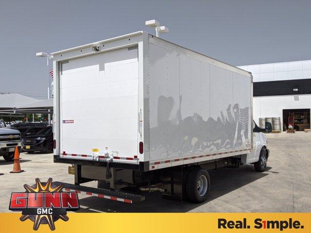 2020 GMC Savana 3500 4x2, Morgan Cutaway Van #G02720 - photo 1