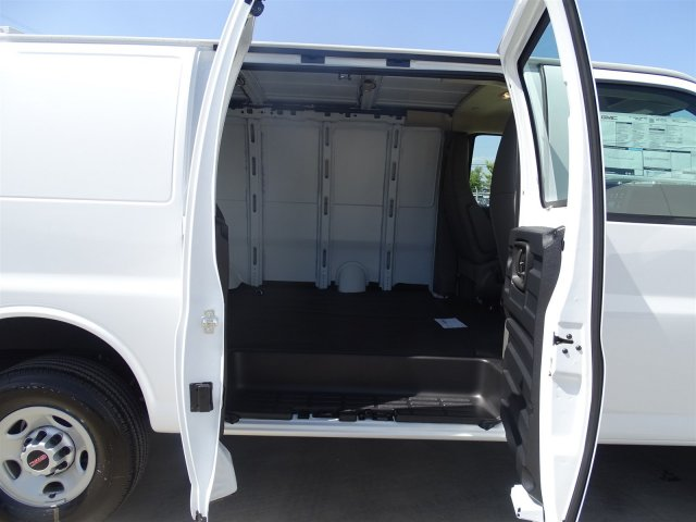 2017 Savana 2500, Cargo Van #G70078 - photo 15