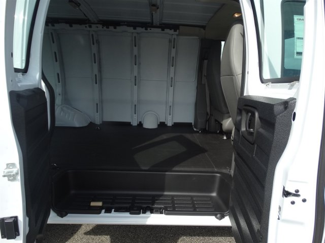 2017 Savana 2500, Cargo Van #G70512 - photo 17