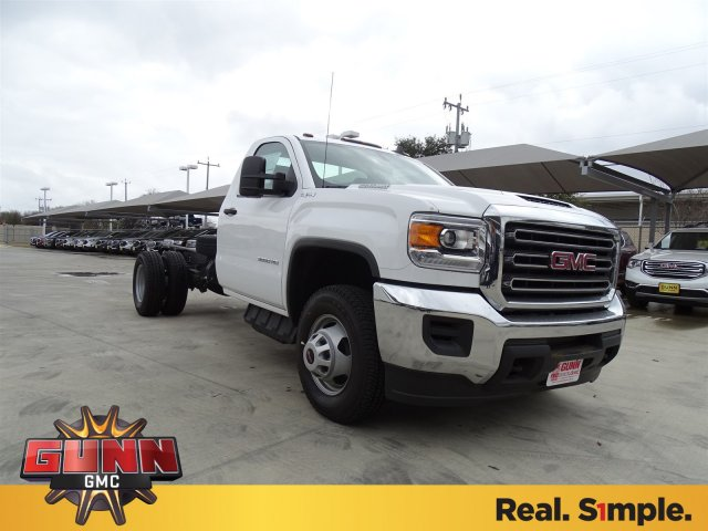2018 Sierra 3500 Regular Cab DRW 4x4, Cab Chassis #G80247 - photo 3