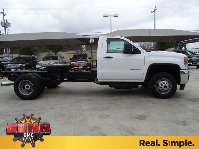 2018 Sierra 3500 Regular Cab DRW 4x4, Cab Chassis #G80247 - photo 4
