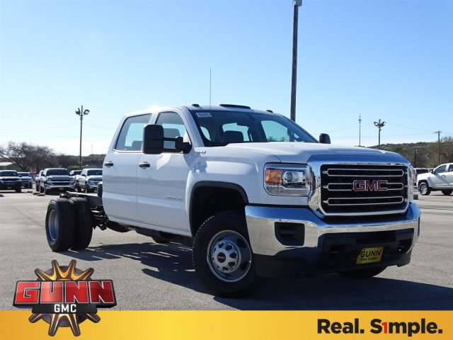 2018 Sierra 3500 Crew Cab DRW 4x4, Cab Chassis #G80407 - photo 3