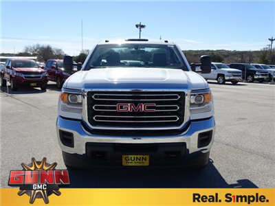 2018 Sierra 3500 Regular Cab DRW, Cab Chassis #G80421 - photo 8