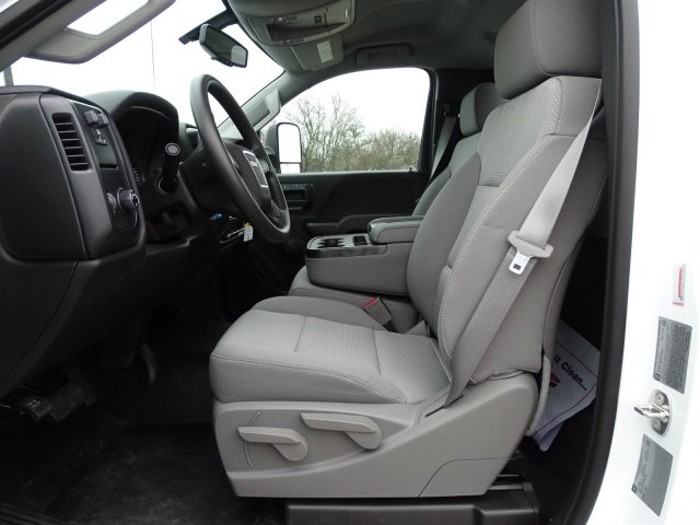 2015 Sierra 3500 Regular Cab, Platform Body #GT70490 - photo 11