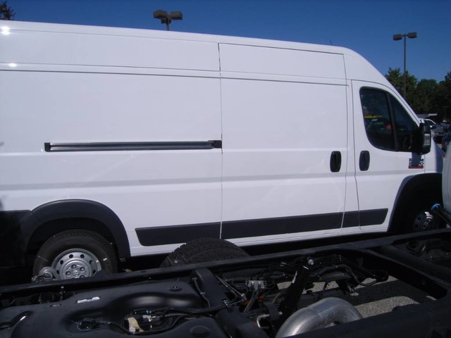 2017 ProMaster 2500 High Roof Cargo Van #R17520 - photo 34