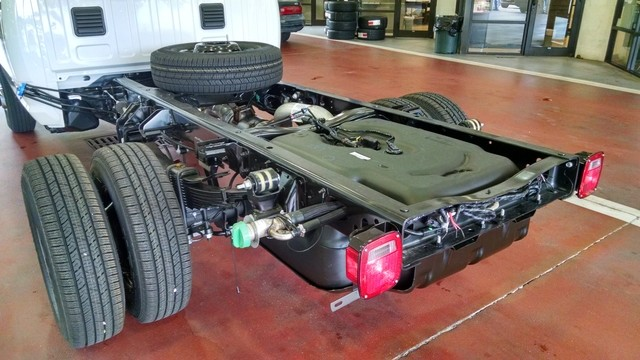 2017 Ram 3500 Regular Cab DRW Cab Chassis #R17704 - photo 14