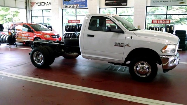 2017 Ram 3500 Regular Cab DRW, Cab Chassis #R17704 - photo 9