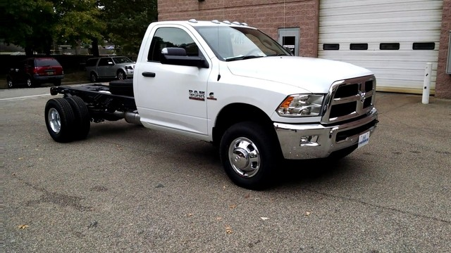2017 Ram 3500 Regular Cab DRW 4x4, Cab Chassis #R17720 - photo 3