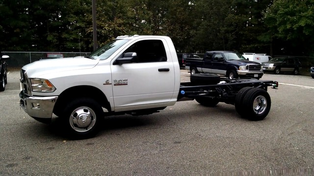 2017 Ram 3500 Regular Cab DRW 4x4, Cab Chassis #R17720 - photo 5