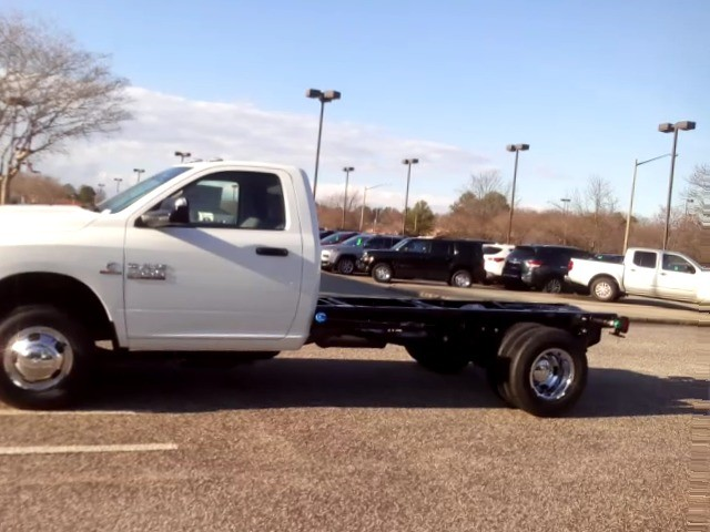 2017 Ram 3500 Regular Cab DRW, Cab Chassis #R17792 - photo 3