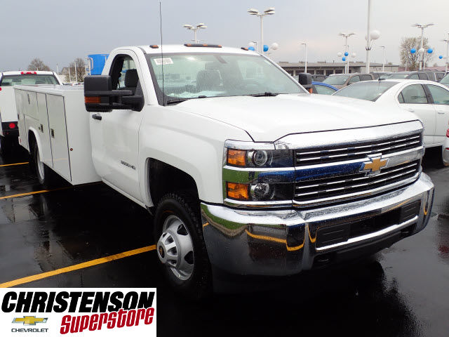 2017 Silverado 3500 Regular Cab 4x4, Reading Service Body #70666 - photo 3