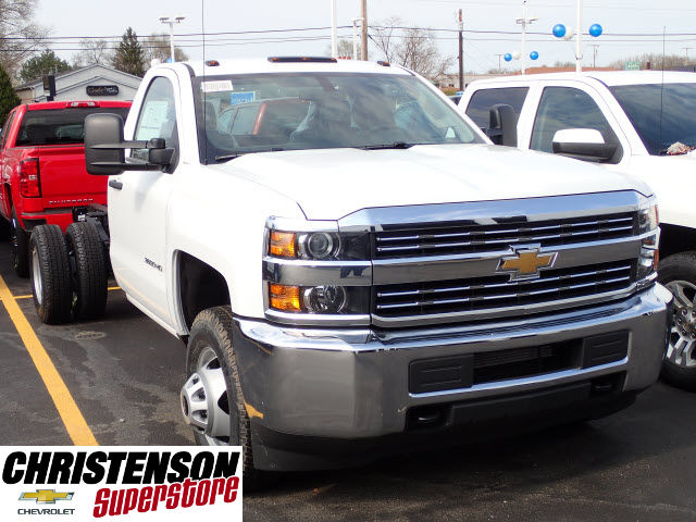2017 Silverado 3500 Regular Cab DRW 4x4 Cab Chassis #70677 - photo 3