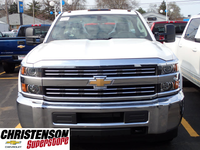 2017 Silverado 3500 Regular Cab DRW 4x4 Cab Chassis #70677 - photo 4
