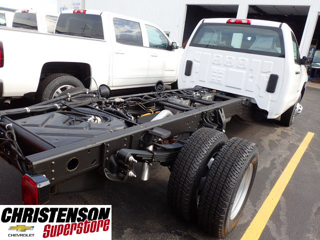 2017 Silverado 3500 Regular Cab DRW 4x4 Cab Chassis #70677 - photo 5