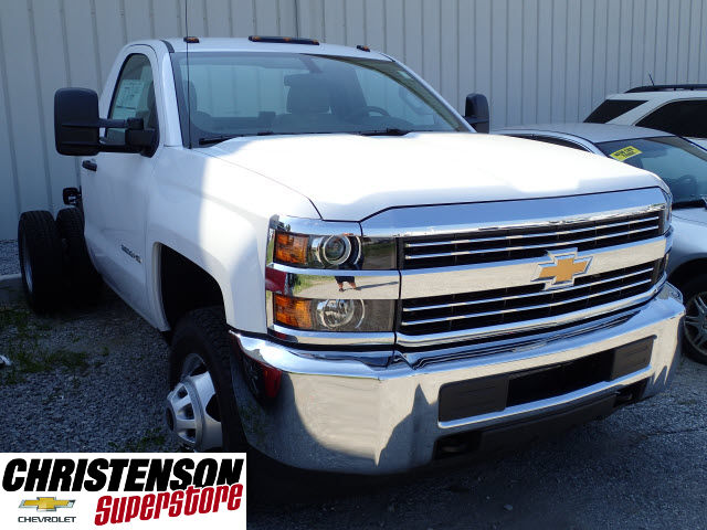 2017 Silverado 3500 Regular Cab DRW Cab Chassis #70937 - photo 3