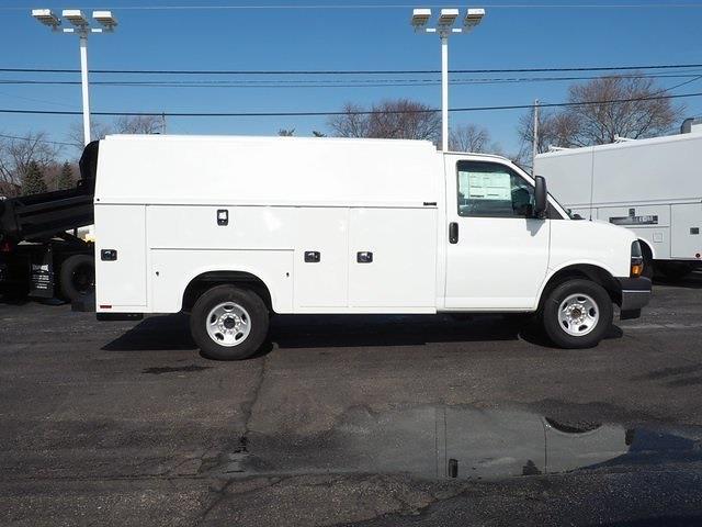 2021 Chevrolet Express 3500 4x2, Cutaway #M1174174 - photo 1