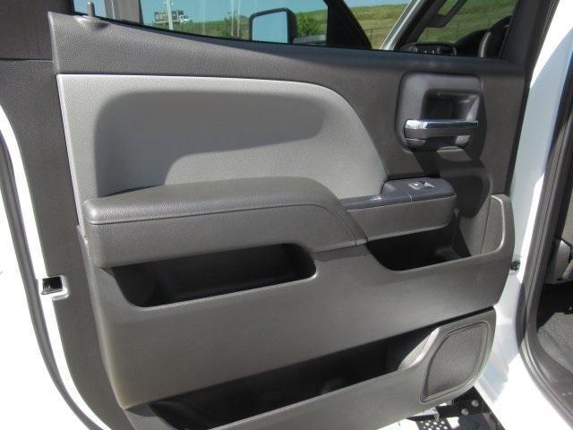 2020 Chevrolet Silverado Medium Duty Crew Cab DRW 4x4, Combo Body #LH173356 - photo 30