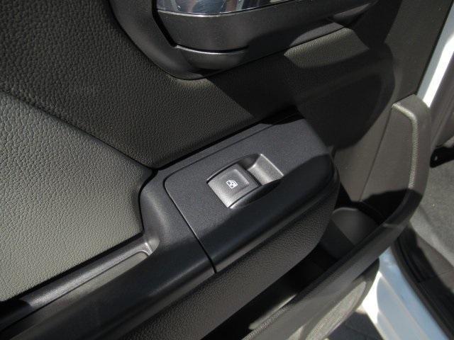 2020 Chevrolet Silverado Medium Duty Crew Cab DRW 4x4, Combo Body #LH173356 - photo 31