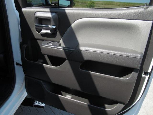 2020 Chevrolet Silverado Medium Duty Crew Cab DRW 4x4, Combo Body #LH173356 - photo 32