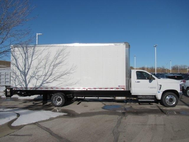 2020 Chevrolet Silverado Medium Duty Regular Cab DRW 4x2, Dry Freight #LH266816 - photo 2