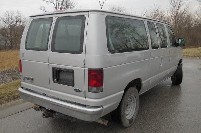 2011 Ford E-350 4x2, Passenger Wagon #M1245567A - photo 1