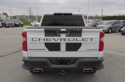 2020 Chevrolet Silverado 1500 Crew Cab 4x4, Pickup #P117791 - photo 3