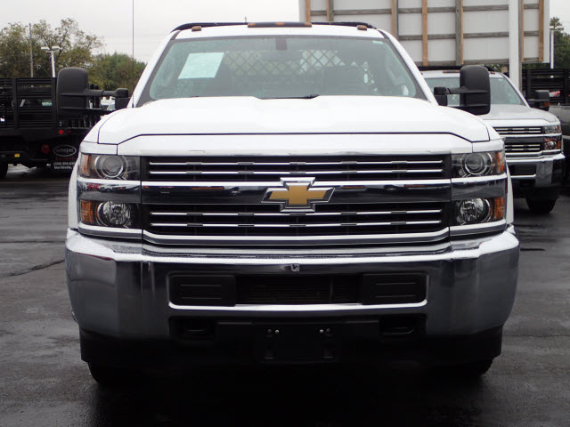 2015 Silverado 3500 Regular Cab Platform Body #109631 - photo 3