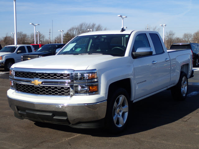 2015 Silverado 1500 Double Cab 4x2,  Pickup #109791 - photo 4